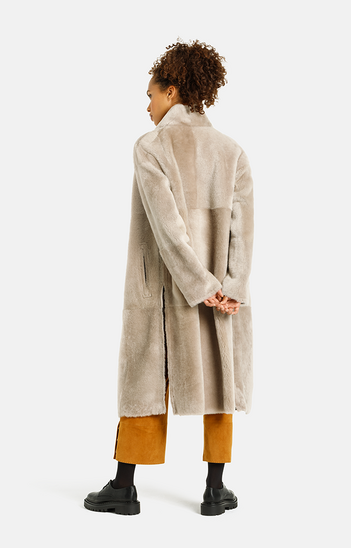 Madita CW:  Reversible slighly oversized coat