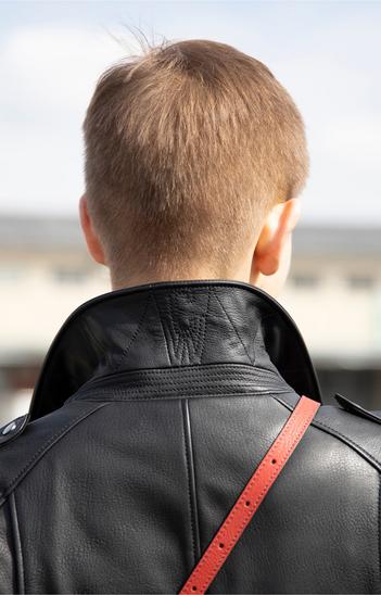 Nika: Leichte sportliche Biker Jacke