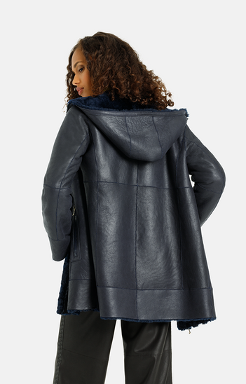 Rachel: Puristic hooded jacket