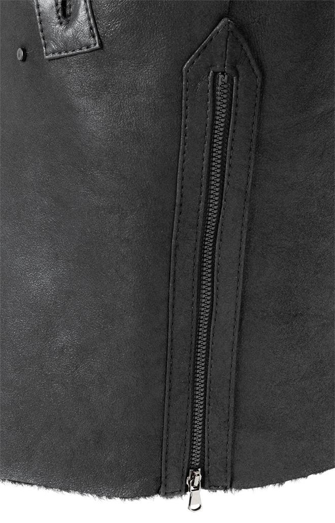 Cara: Reversible, oversized coat in lambskin