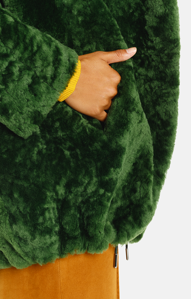 Namika: Lässige Lammfell Kapuzen-Jacke