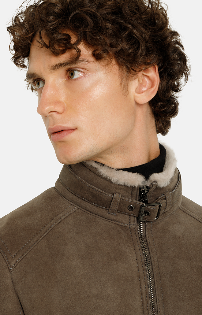 BASTI: Short jacket crafted in lambskin