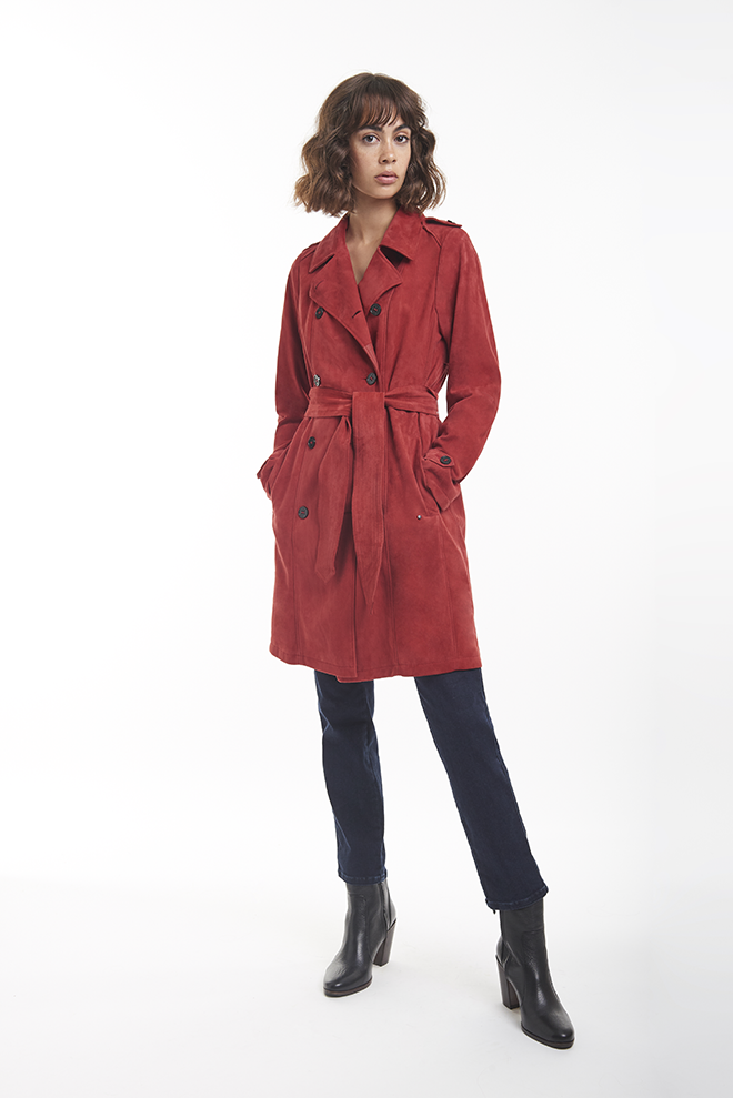 AMAL: Classic trench coat in goatskin suede