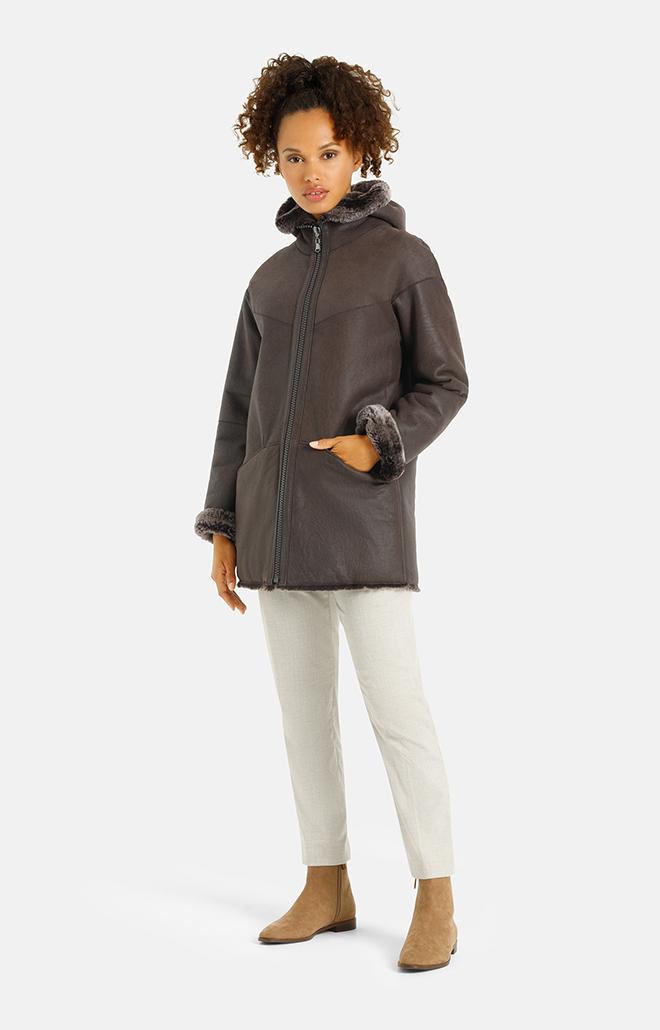 Viola:  Puristic hooded jacket